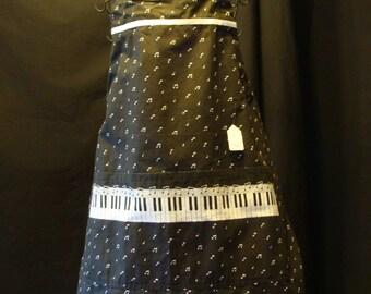 Small Adult Apron Piano Key pattern  ( #476 )
