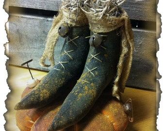 Halloween Fall Primitive Grungy Lil Witch Boots Pinkeep ePattern