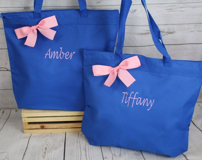 11 Personalized Zippered Tote Bag Bridesmaids Gift- Bridesmaid Gift- Personalized Bridesmaid Tote - Wedding Party Gift - Wedding Totes
