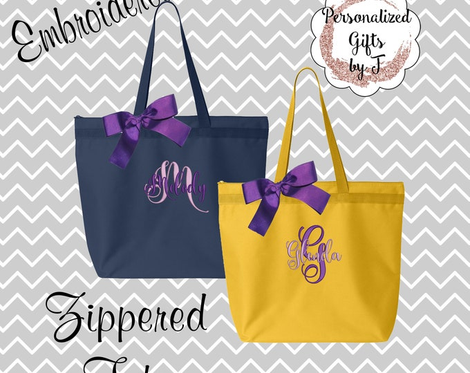 5 Personalized Zippered Tote Bags, Bridesmaid Gift Set of 5- Bridesmaid Gift- Personalized Bridesmaids Tote- Wedding Party Gift- Name Tote-