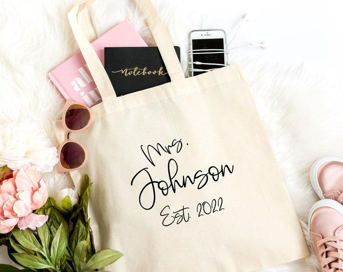 Bride Bag, Bride gift Bag,  Wedding Welcome Bags, Wedding Bag, Personalized Bride bag, Bridal shower gift bag,  Light Weight Canvas Tote