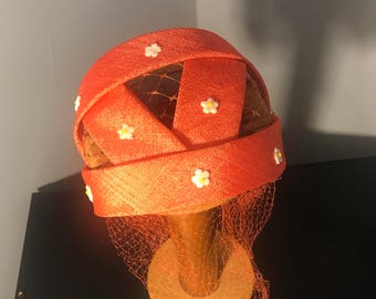 Adorable Vintage 1950's ORANGE Rockabilly Half Hat with tiny DAISIES