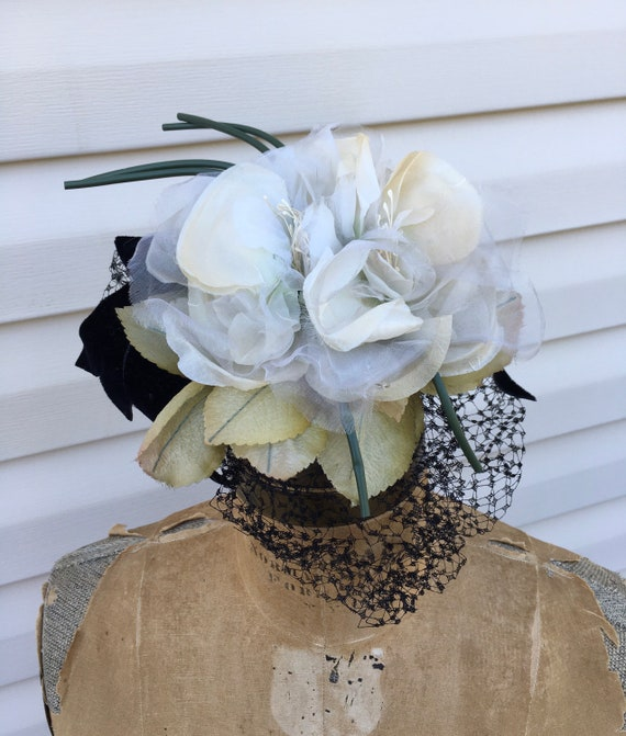 White 1950's Silk Flowers Fascinator, Floral 50s … - image 7