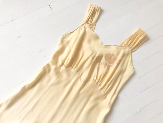 1940's Embroidered Buttercream Satin Bias Cut Slip