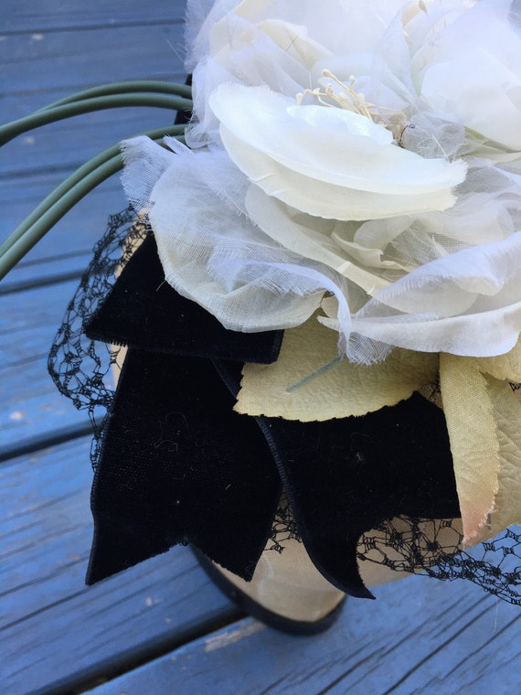 White 1950's Silk Flowers Fascinator, Floral 50s … - image 3