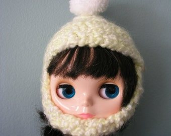 Blythe Hat - Fluffy Yellow with chin strap and white pom pom