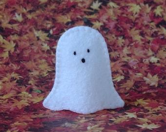 Little Ghost Finger Puppet - Halloween Ghost Puppet - Felt Spook - Halloween Puppet - Felt Spirit - Felt Ghost Halloween Toy