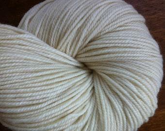 DK Polwarth Wool Undyed Yarn Base, Natural Superwash SW Polwarth Yarn