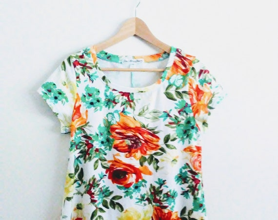 Size MEDIUM Women's White Floral Swing Top flower print botanical short sleeve blouse loose fit cotton shirt womens summer top
