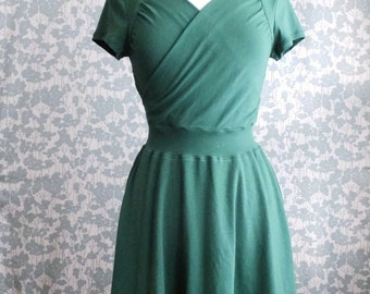 SALE size SMALL Emerald Green Dress Sweetheart Crossover Cotton dress Short Sleeve fit and flare nursing dress - Ready to Ship