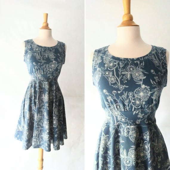 MEDIUM Womens Blue floral print Dress stretch Cotton sleeveless Full swing skirt holiday dress fit and flare dress Ready to Ship