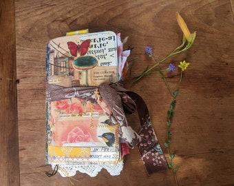 Mushroom in Rose Town - Summer Flea Market Style Traveller's Notebook