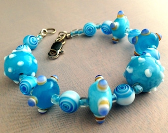 FROZEN! Get Rid of the Winter Blues with this Beautiful Blues and White Glass Lamp Work Beads Bracelet