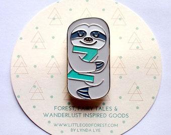 e44c34ca8f2 Adorable Sloth Pin - Cute Enamel Brooch - Kawaii Animal Badge - Soft Enamel  Broach - Quirky Kawaii Fashion Accessory - 18K Gold Plated