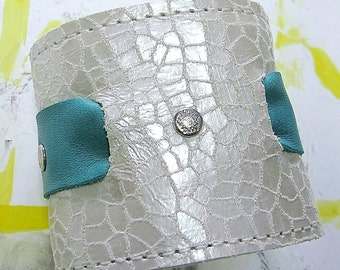 Womens Leather Bracelet Wrist Wallet Cuff with Secret Pocket -- Cream and Turquoise