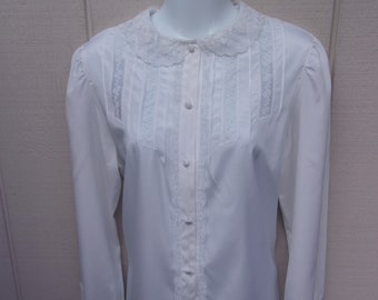 Vintage 80s White Secretary Blouse by Regina Porter / Romantic lace Peter Pan Collar // Sz Med