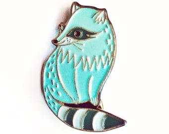 Enamel pin brooch, raccoon pin badges, raccoon enamel pin, enamel pins cute raccoon jewelry, adorable pin, cartoon pin, lapel pin cute gift