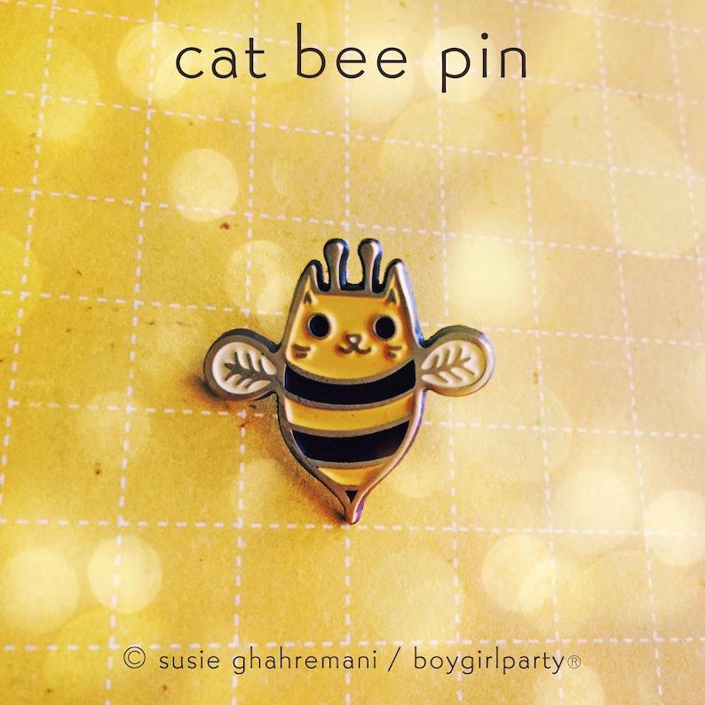 Bumble bee lapel pin  honey bee pin  save the bees pin  image 0