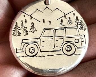 4WD Gift Idea/Jeep Mountain Keychain/Personalize Four Wheel Drive Custom Key Fob /Wrangler, Renegade, Gladiator, JK, TJ, JL Liberty Cherokee
