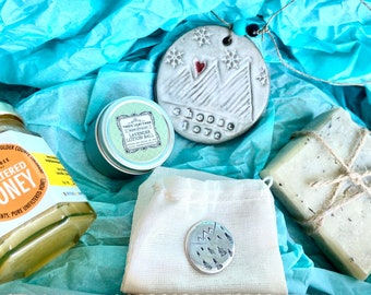Self Care Mother's Day Pamper Gift Box/ Colorado Handmade De Stress Ladies/ Spa - Honey, Lavender Lotion Ball, Natural Soap, Love for Women