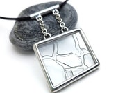 Textured glass necklace - 9124