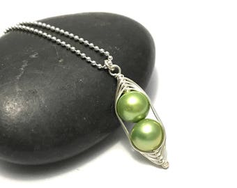 Peapod necklace // Two peas in a pod, with green pearls Peapod jewelry, gift for sister, best friend, twin jewelry // great gift for mom