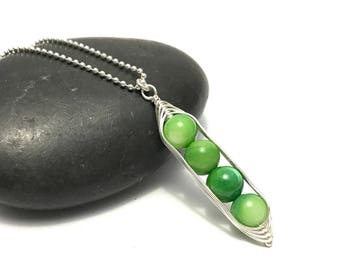 Pea pod necklace //  Four peas in a pod with green mother of pearl Pea pod jewelry, gift for sister, or best friend // great gift for mom