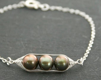 Pea pod bracelet with bronze forest green freshwater pearls //  pea pod jewelry, gift for sister, or best friend // great gift for mom