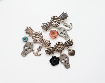 Skull brooch | Charm brooch with skull and Czech glass flower and metal heart or anchor charm