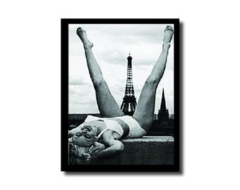 Spread Legs Eiffel Tower Card - 4.25 x 5.5 Note Card - Greetings From Creepsville