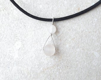 Rose quartz and sterling silver wire drop pendant
