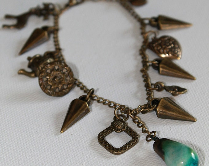 Charm Bracelet - Boho Vintage Style - Heart Charm - Victorian Button - Vintage Gold - OOAK