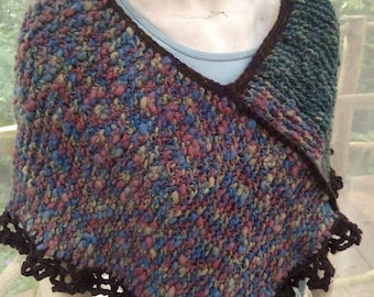 Bulky knit poncho in textured wool, One size knit wrap with lace crochet edges