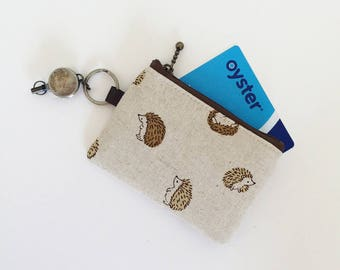 Travel pass case (round hedgehog in natural)