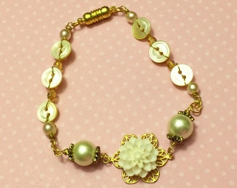 Ivory Flower Bracelet, Vintage Button Jewelry, Pearl Bridesmaid Bracelet, Mother of Pearl Bracelet, Wedding Jewelry, Handmade KreatedByKelly