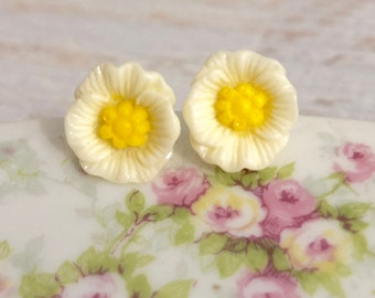 Off White Poppy Heavily Carved and Detailed Flower Stud Earrings with Surgical Steel Posts (SE10)