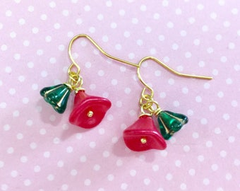 Christmas Czech Glass Flower Short Dangle Earrings in Red and Green with Surgical Steel Ear Wires (DE1)