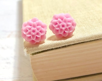 Small Little Light Pink Chrystanthemum Mum Flower Stud Earrings with Surgical Steel Posts (SE18)