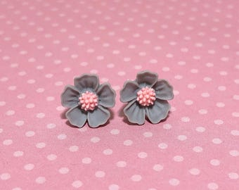 Gray Petals and Pink Center Cherry Blossom Sakura Flower Stud Earrings with Surgical Steel Posts (SE13)