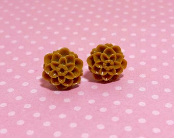 Small Little Coffee Brown Chrystanthemum Mum Flower Stud Earrings with Surgical Steel Posts (SE18)