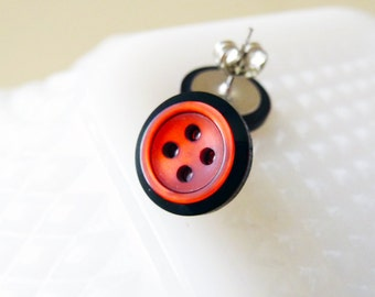Red Button Studs, Vintage Button Studs in Red Rimmed in Black, Red Pearl Studs, Iridescent Red Studs, Surgical Steel Studs