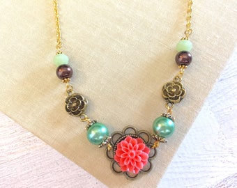 Peach Chrysanthemum Beaded Pearl Vintage Style Necklace