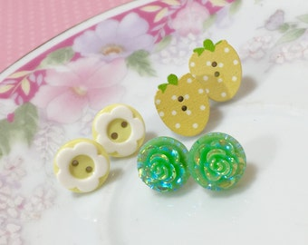 Yellow and Green Novelty Strawberry Flower Stud Earring Gift Set