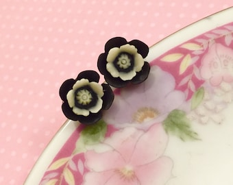 Flower Stud Earrings.