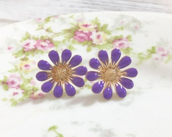 Lavender Daisy Stud Earrings, Bohemian Retro, Hippie Flower Power, Purple Enameled Metal, 19mm, Gold Accents