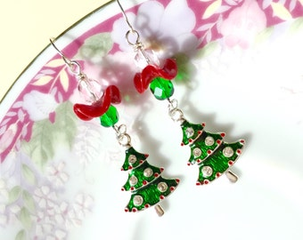 Christmas Tree Earrings, Enameled Metal with Rhinestone Ornaments, Czech Glass Beads and Vintage Ruffle in Holiday Green Red (DE2)