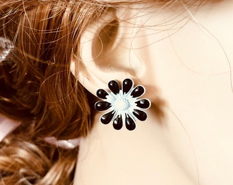 Black and White Enameled Metal Retro Daisy Stud Earrings with Surgical Steel Posts