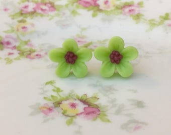 Lime Green Daisy Studs, Green Flower Earrings, Flower Girl Earrings, Sensitive Ear Studs, KreatedByKelly (SE3)