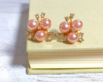 Rhinestone Flower Earrings, Bridal Flower Earrings, Wedding Pearl Earrings, Peach Pearl Flower Earrings, Statement Jewelry, Vintage Style