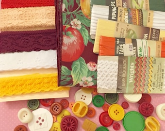 Apple Harvest Inspiration Kit, Warm Fall Color Palette Sewing Trim Kit, Vintage Buttons Lot in Green Yellow Red White, Scrapbook Kit